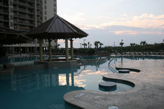 North Beach Plantation: adult pool bar