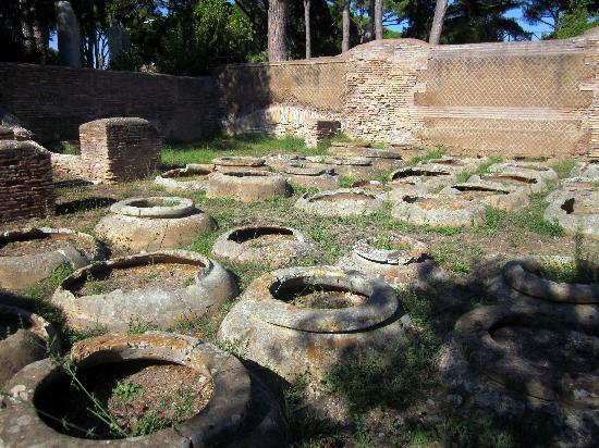 Parco Archeologico di Ostia Antica: Warehouse Ruin