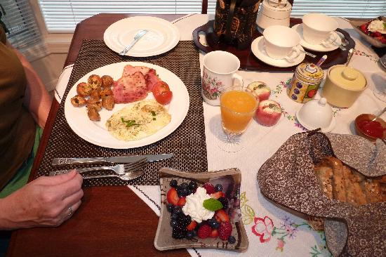 Ridgeview Gardens Bed and Breakfast : amazing breakfast