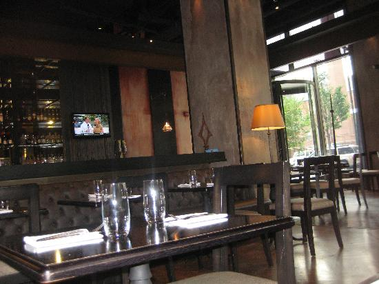 LM Bistro: early afternoon
