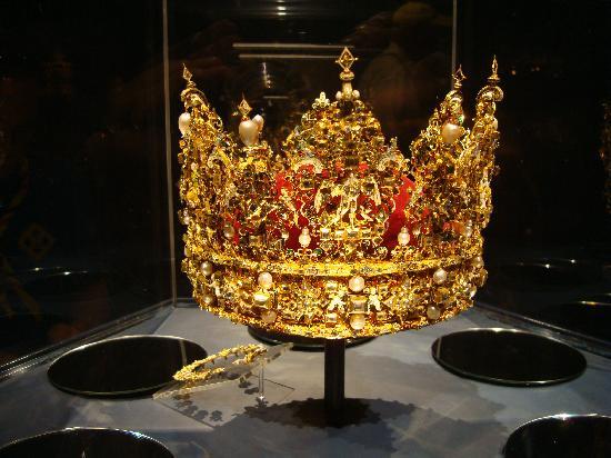 ปราสาทโรเซนเบิร์ก: King's Crown