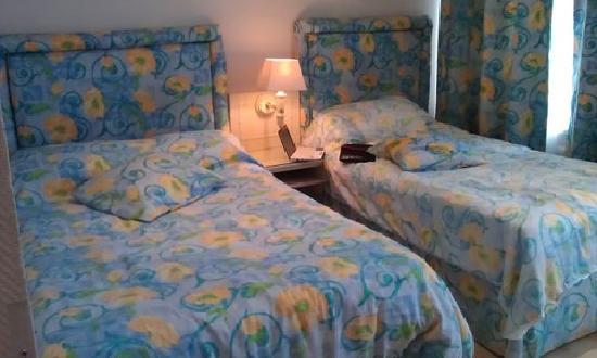 โรงแรมอัมสเตอร์ดัม: double bed and single bed