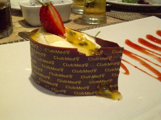 Club Med Rio Das Pedras: Mouse de maracuya y chocolate