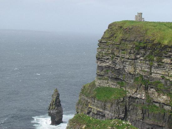 Cliffs of Moher: O'Briens Tower on the Cliffs