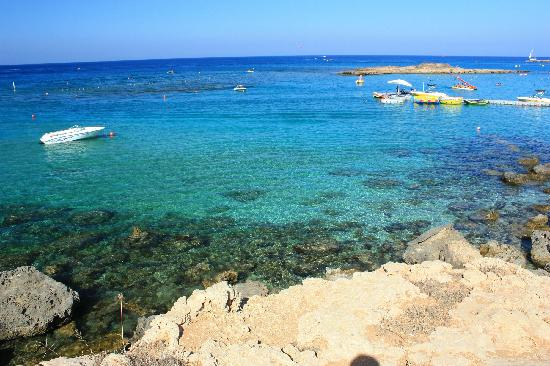 Fig Tree Bay: water is so,so clear