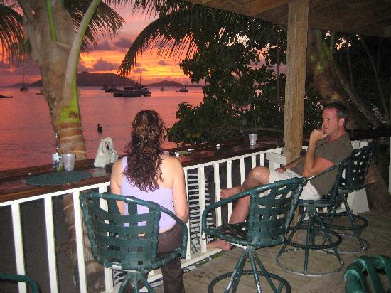 Myett's Garden Inn: Sunset on the deck at Myett's