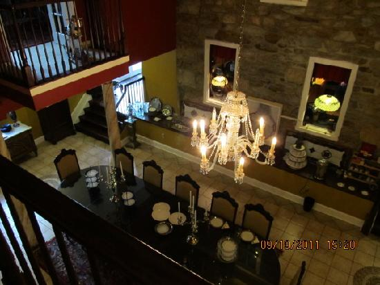 Stone Manor Boutique Inn: dining room in Stone Manor