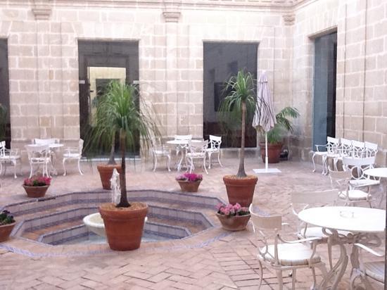 Monasterio De San Miguel Hotel : common area