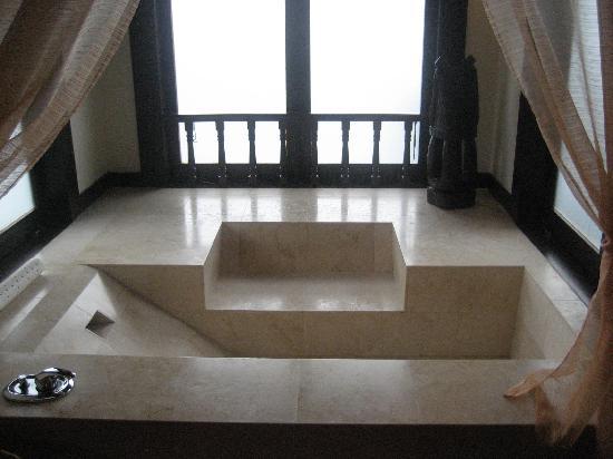 Pangkor Laut Resort: ontspannen bad van een sea villa