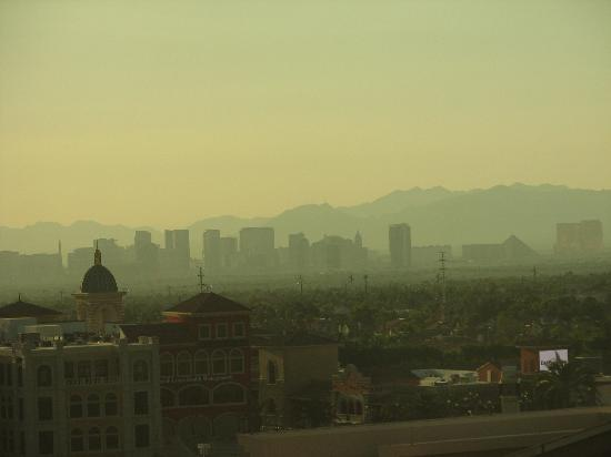 Suncoast Hotel and Casino: View of the strip in the morning (east)