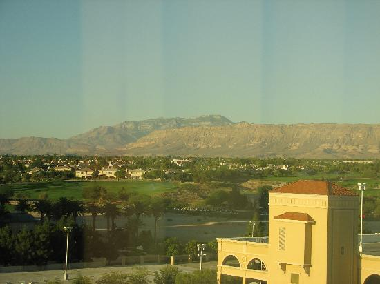 Suncoast Hotel and Casino: Mountian view to the west