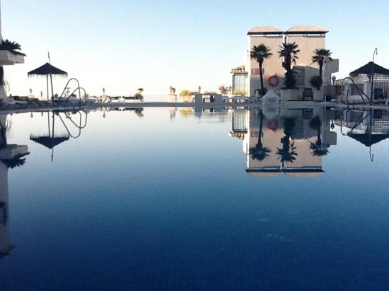 TRH Mijas : nice pool early in the am before everyone arrives
