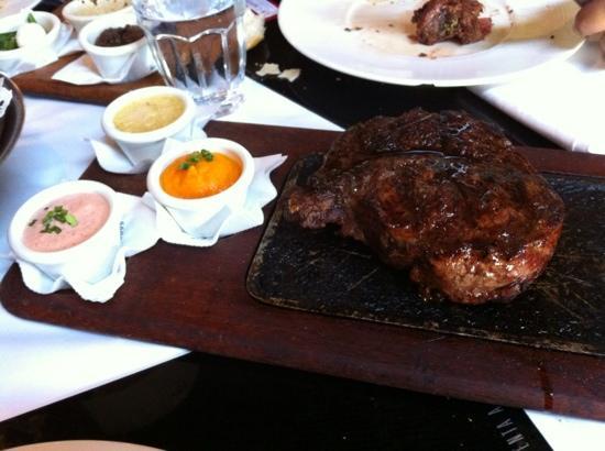 La Cabrera Sur: ribeye steak