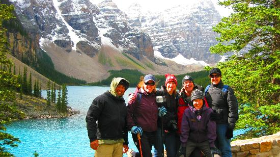 Great Divide Day Hikes: The Group with Nadine