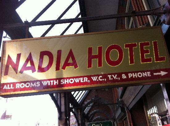Hotel Nadia: Entrance
