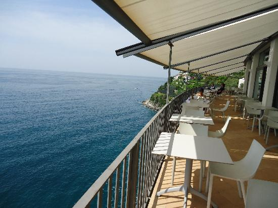Miramalfi Hotel: dining room views