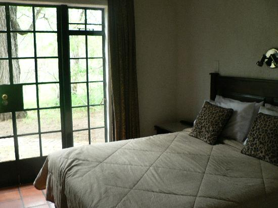 Burchell's Bush Lodge : Main Bedroom