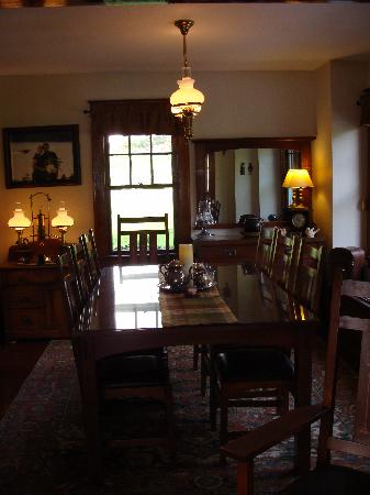 Fiddle Lake Farm: The Lake House Dining Room