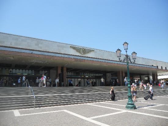 Canal Grande: santa lucia train station