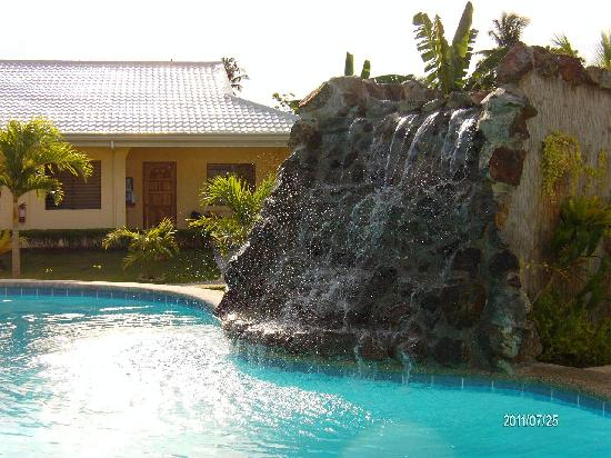 โบโฮลซันไซด์รีสอร์ท: Waterfall