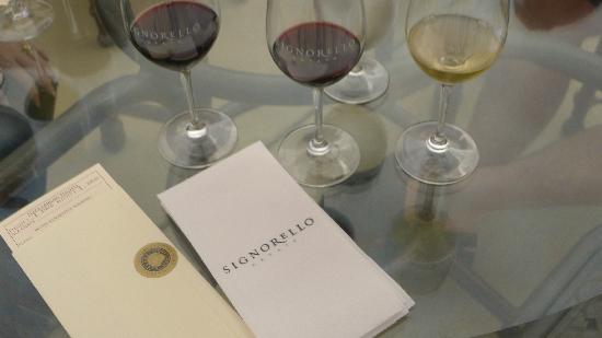 Signorello Estate Winery: Flight 1 Wine Tasting (food/wine)