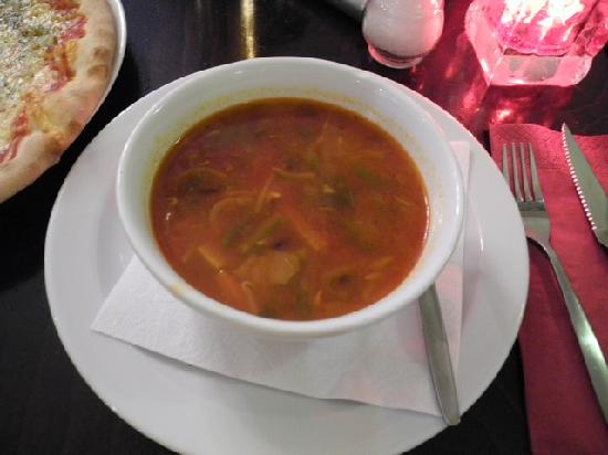 Restaurant Toscana: Great minestrone soup!