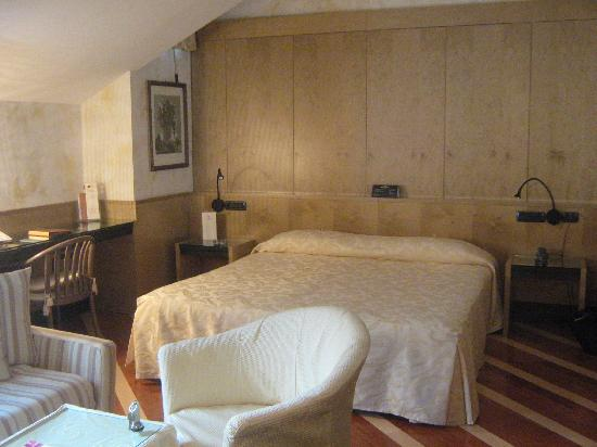 Hotel Sanpi Milano: Our room