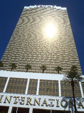 โรงแรมทรัมพ์ อินเตอร์เนชั่นแนล ลาสเวกัส: the hotel