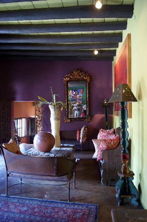 Bahia Todos Santos: Hotel California lobby