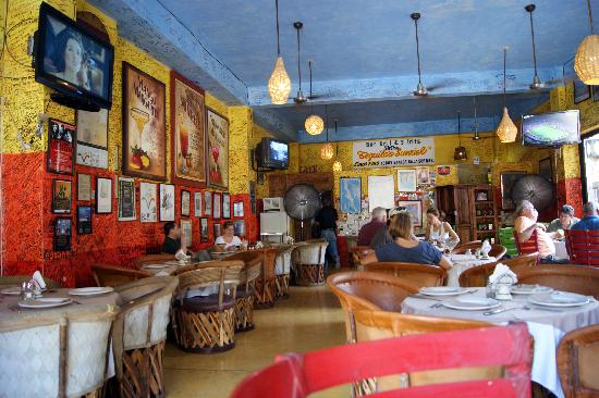 Bahia Todos Santos: Tequila Sunrise restaurant