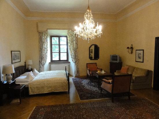 Hotel Schloss Obermayerhofen: Room Sandizell - bedroom