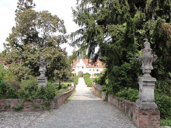 Hotel Schloss Obermayerhofen: Schloss grounds