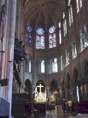 มหาวิหารน็อทร์-ดาม: Inside the cathedral
