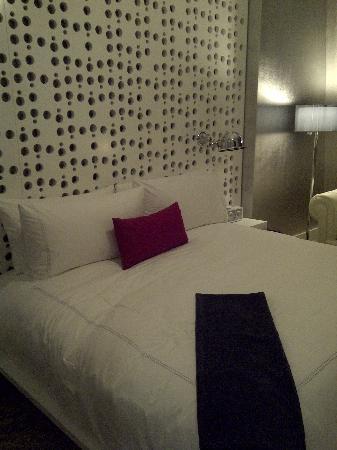 โรงแรมดรีมดาว์นทาว์น: Comfortable bed