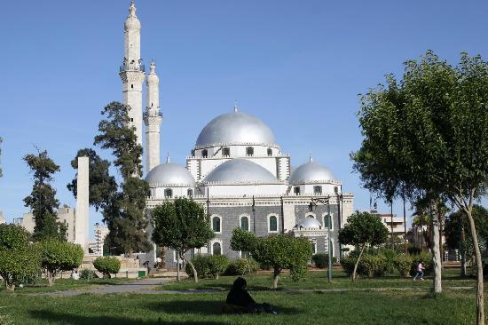 Khalid ibn Al-Walid Mosque : Day view