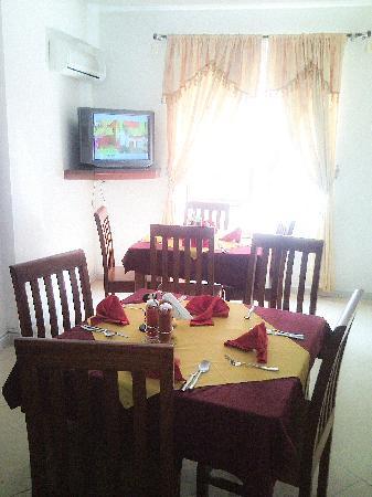 Rovvena Hotel: restaurant