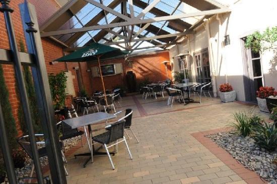 Caledonian Hotel: Our Beer Garden