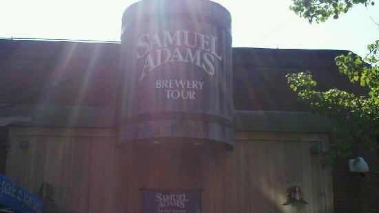 Harpoon Brewery & Beer Hall: Sam Adams!
