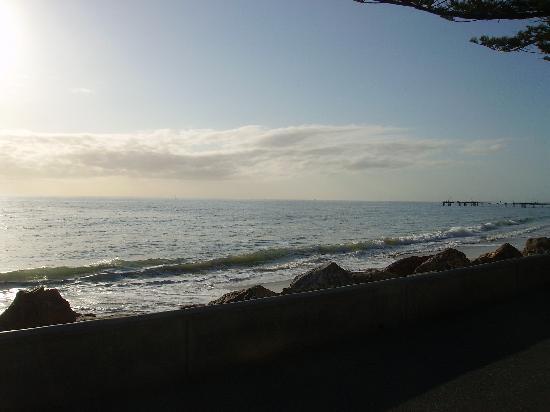 อพาร์ทเมนท์สซีวอล: The view that greeted us upon arrival