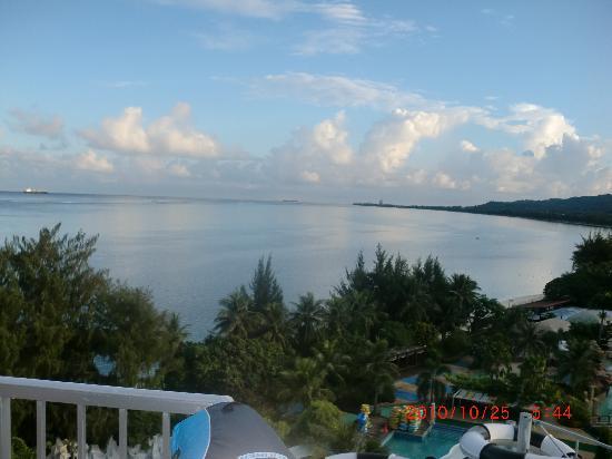 Kanoa Resort Saipan: ベランダから見るオーシャンビュー