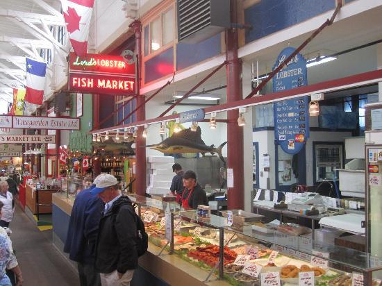 Saint John City Market: Lord's Lobster Fish Market
