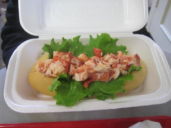 Saint John City Market: Traditional (cold) Lobster Roll