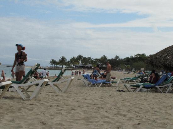 Hotel Beach House Playa Dorada: The beach