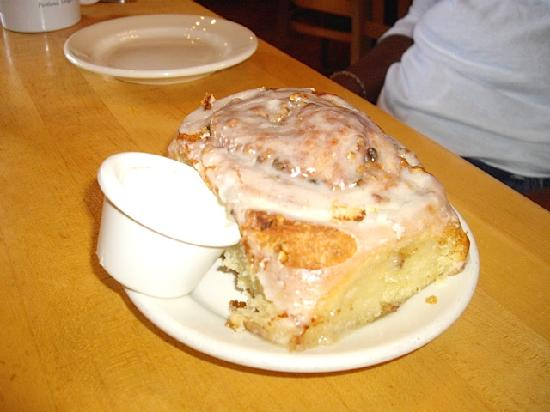 Mother's Bistro & Bar: The best cinnamon roll ever!!!!
