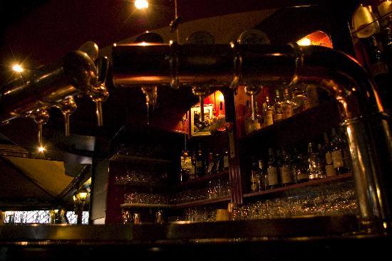 Mc Queen Pub: The Bar
