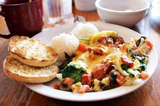 Charley's Restaurant: vegetarian omlette with port sausage