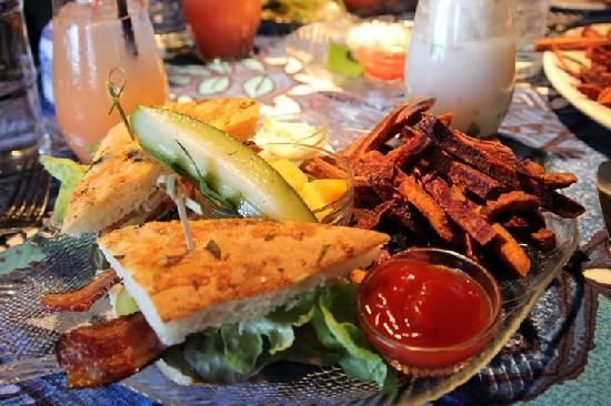 Mama's Fish House: Mahi Mahi Sandwich