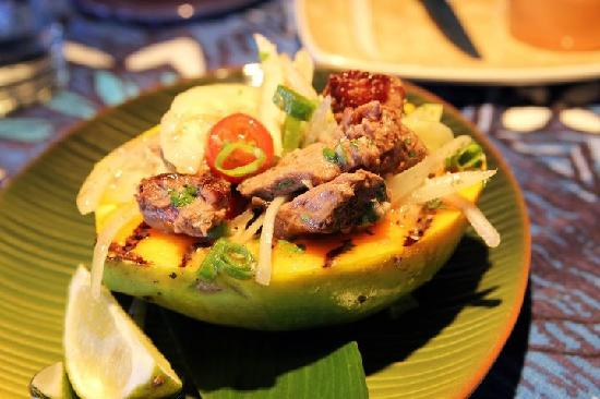Mama's Fish House: appetizer, grilled steak in papaya