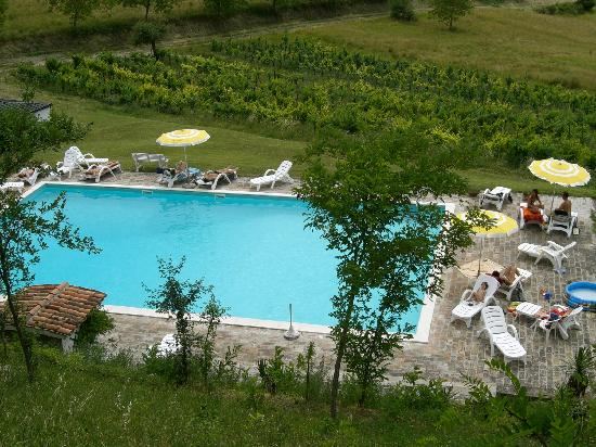 Agriturismo Ca' le Suore: floating in the hills