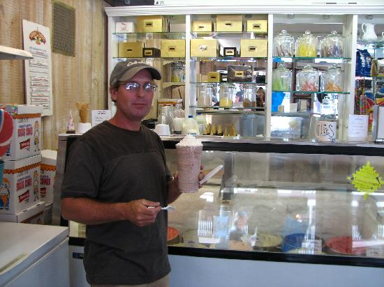 Old Fashioned Fudge: Made-to-order shakes!